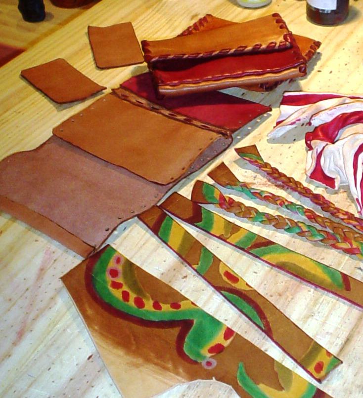 fabrication bracelets, portefeuilles