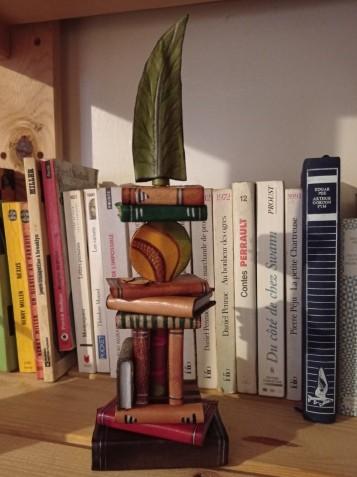 Piles livres plume